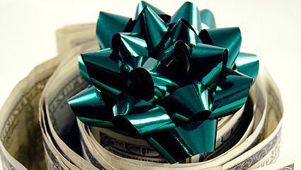Money roll with bow